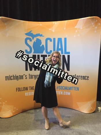 SocialMitten2016_EllyDeutch